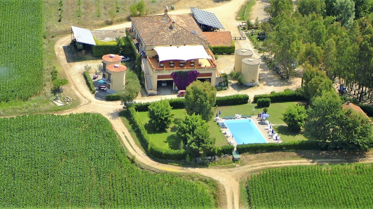 Case nel campo Agriturismo La Petrosa (1)
