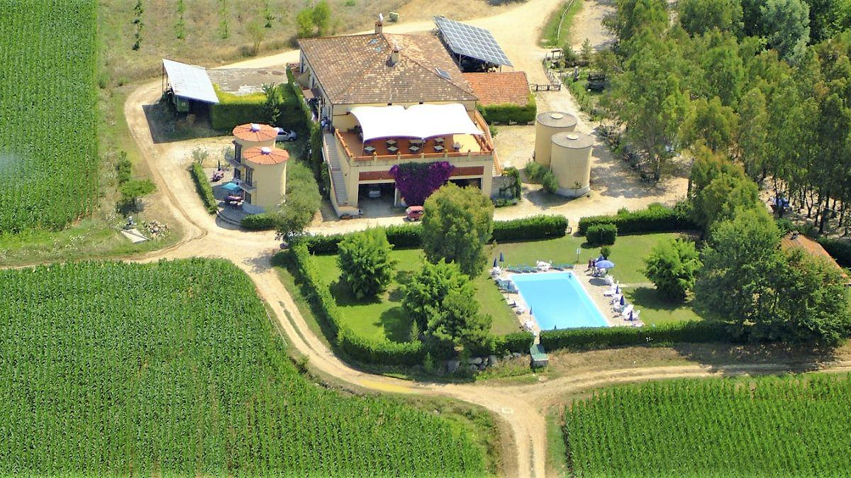 Agriturismo La Petrosa (1)
