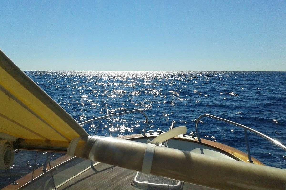 Mit dem Boot vor Licosa (2)