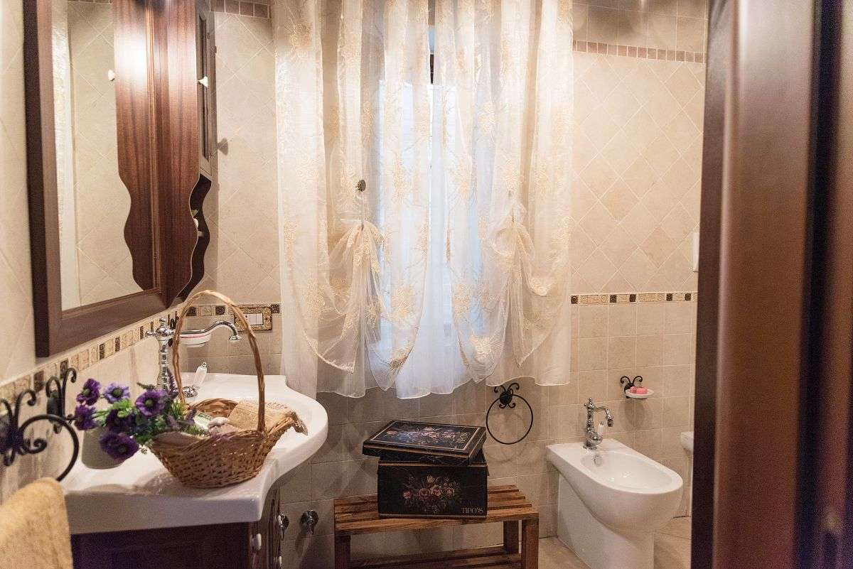 Il Brillocco Bad Zweibettzimmer