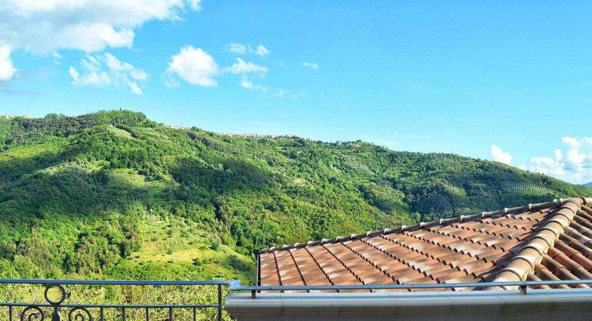 Sotto il cielo del Cilento Blick vom Balkon auf die Hügel